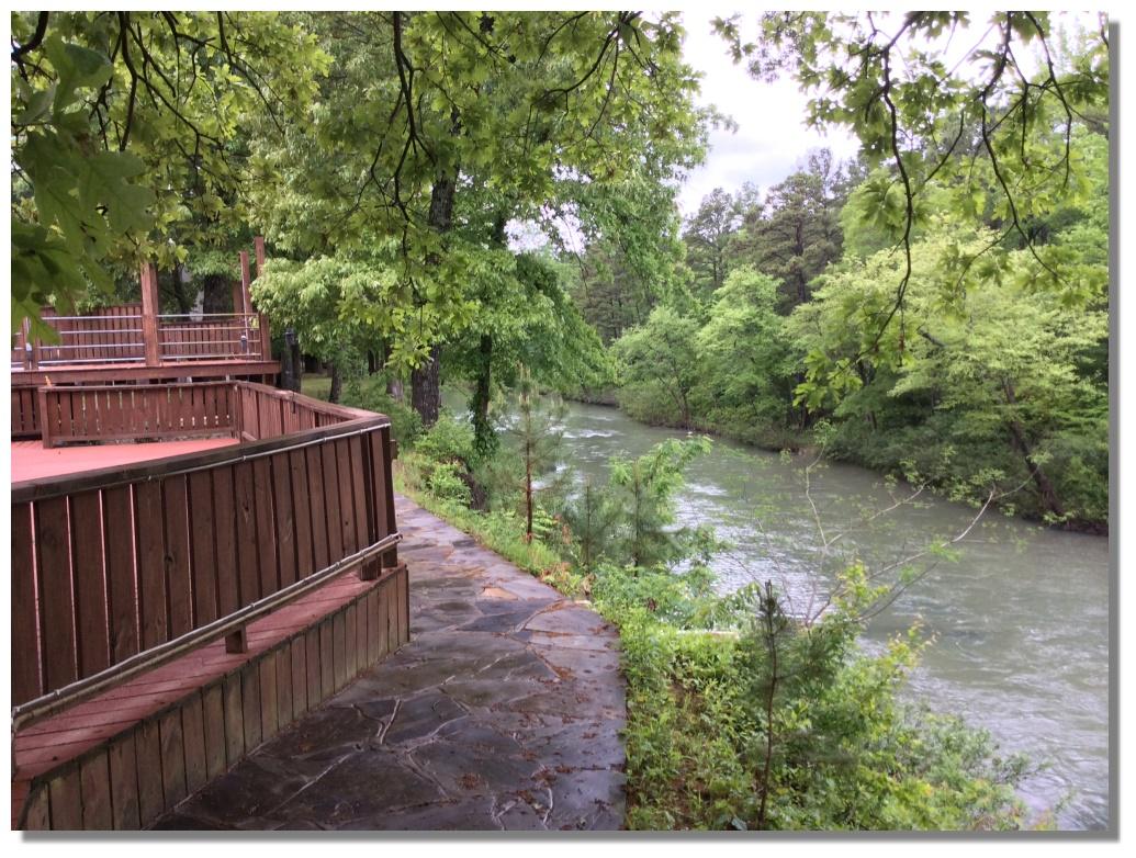 River S Bend Cabin At Kiamich River Rv Park And Cabins In